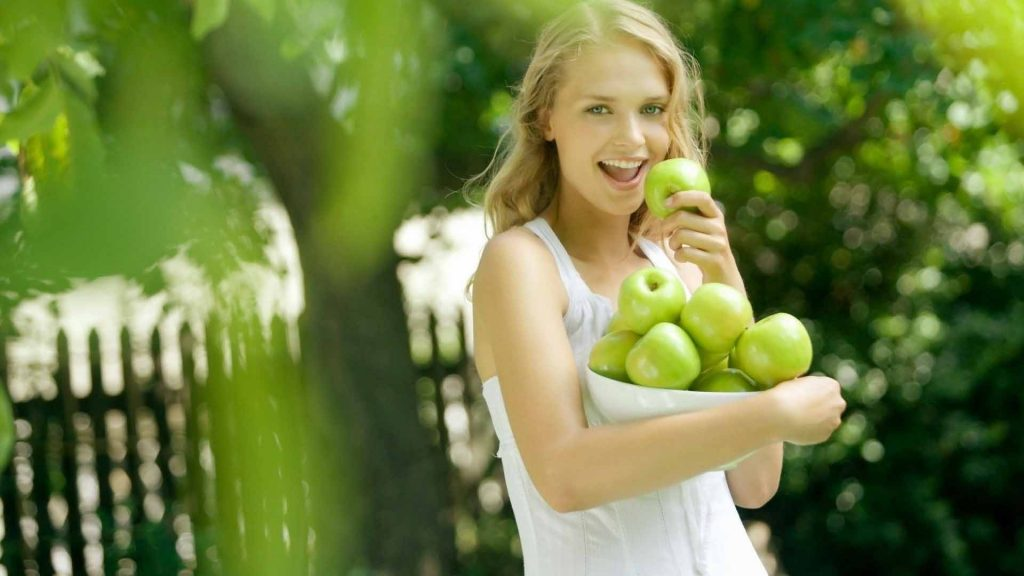 The Benefits Of Green To our Skin and Hair